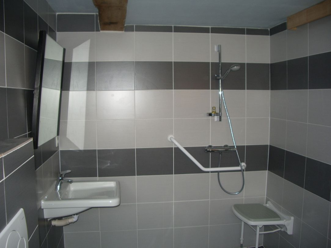 Bathroom with WC on the ground floor